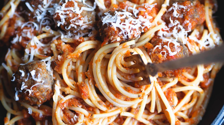 Pasta med kjøttboller_P6251138.jpg
