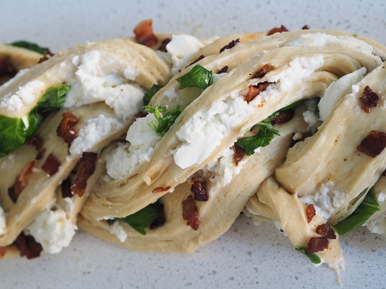 mozzarella-bacon-og-basilikumbrod_pa290655