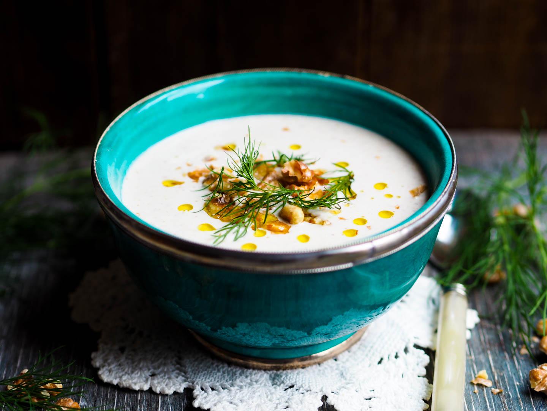Yoghurtsuppe med dill og valnøtter_P3280018